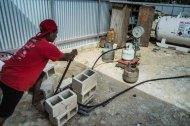 Filling our gas bottle, Pangai